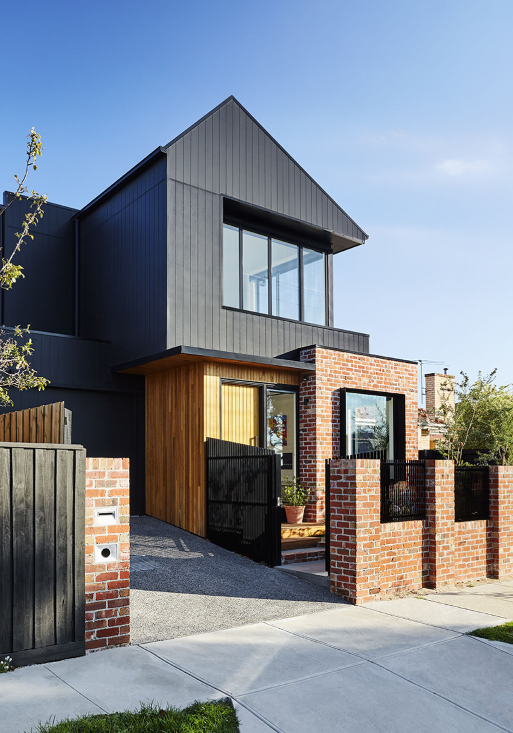 This_smart_new_townhouse_shows_there_are_other_ways_to_do_suburban_infill._pix_Tess_Kelly_hgfqj1