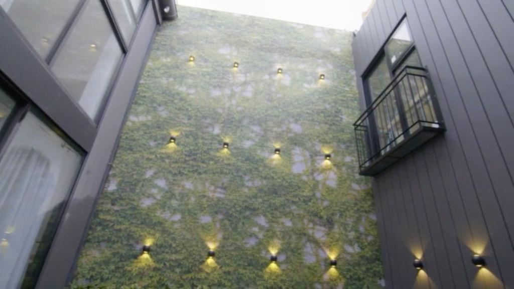 block-jesse-mel-courtyard_m5crbx