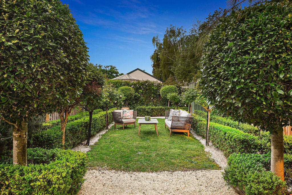 25 Elm Grove Brighton VIC low res