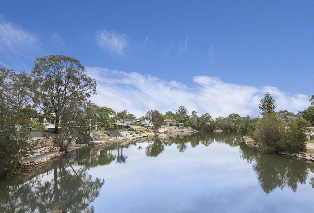 Milperra, Sydney. low res