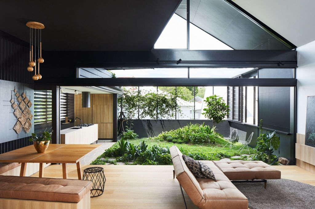 THE_TRUE_MEANING_OF_INDOOR_OUTDOOR_LIFESTYLE_IN_THE_SUB_TROPICS_._pshljc