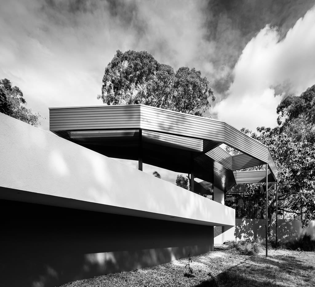 Image_4_Benjamin_House_Deaking_Canberra_1957_Alex_Jelinek_Source_Darren_Bradley_Photography_xhgau1