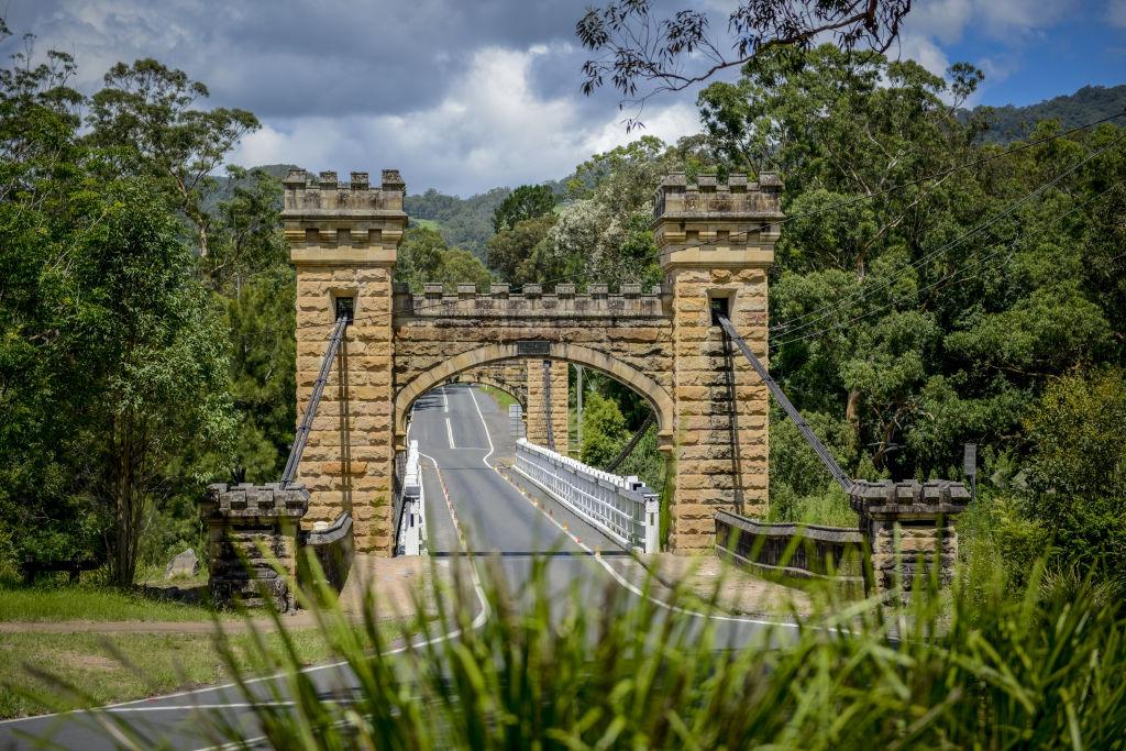 kangaroovalley_feb2016_village_bridge_jpg-10_adj_yeowte