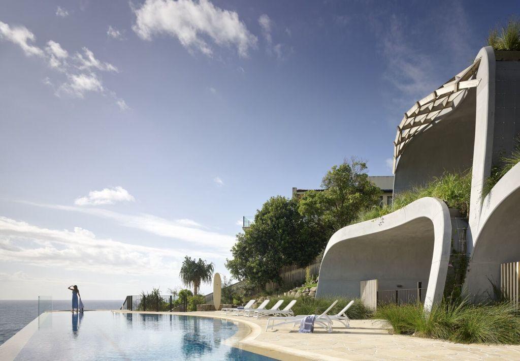 Sun_sand_sea_sky_and_stylised_domes._Pix_Scott_Burrows_bi47sz