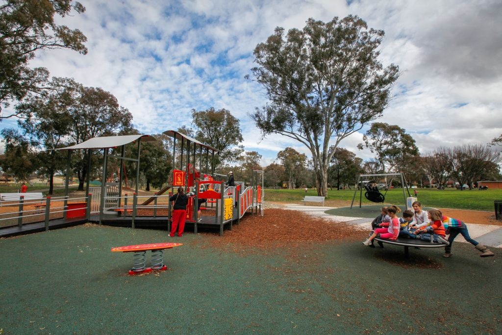 Kambah_Adventure_Playground._Canberra_Times_Photograph_by_Katherine_Griffiths_h2xdtp