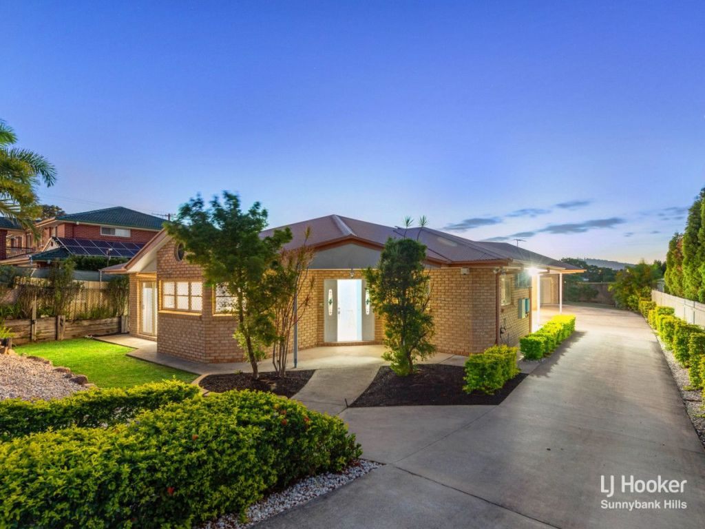 10 Mansfield Place Mansfield QLD.