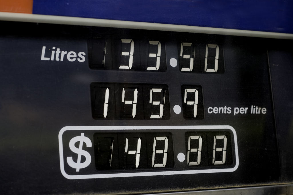 When possible, fill up at the cheapest point in the fuel price cycle.