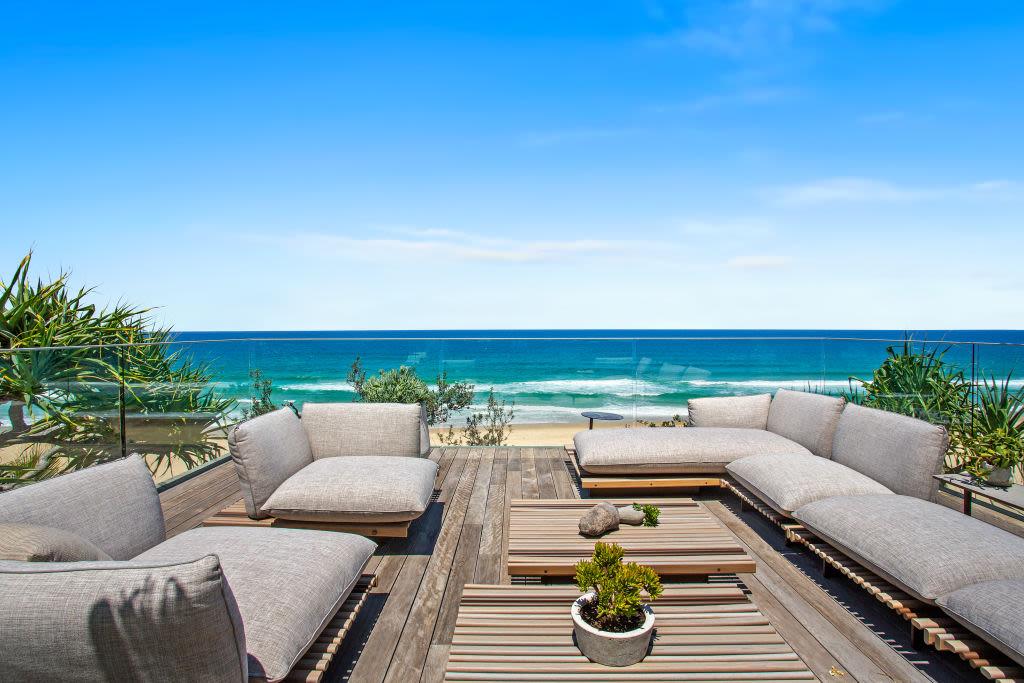 46_Seaview_Terrace_Sunshine_Beach_5_wmrexg