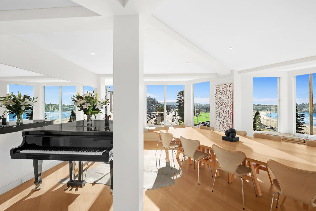 5_and_6_70_Campbell_Parade_Bondi_Beach_dining_room_with_piano_j0xsse