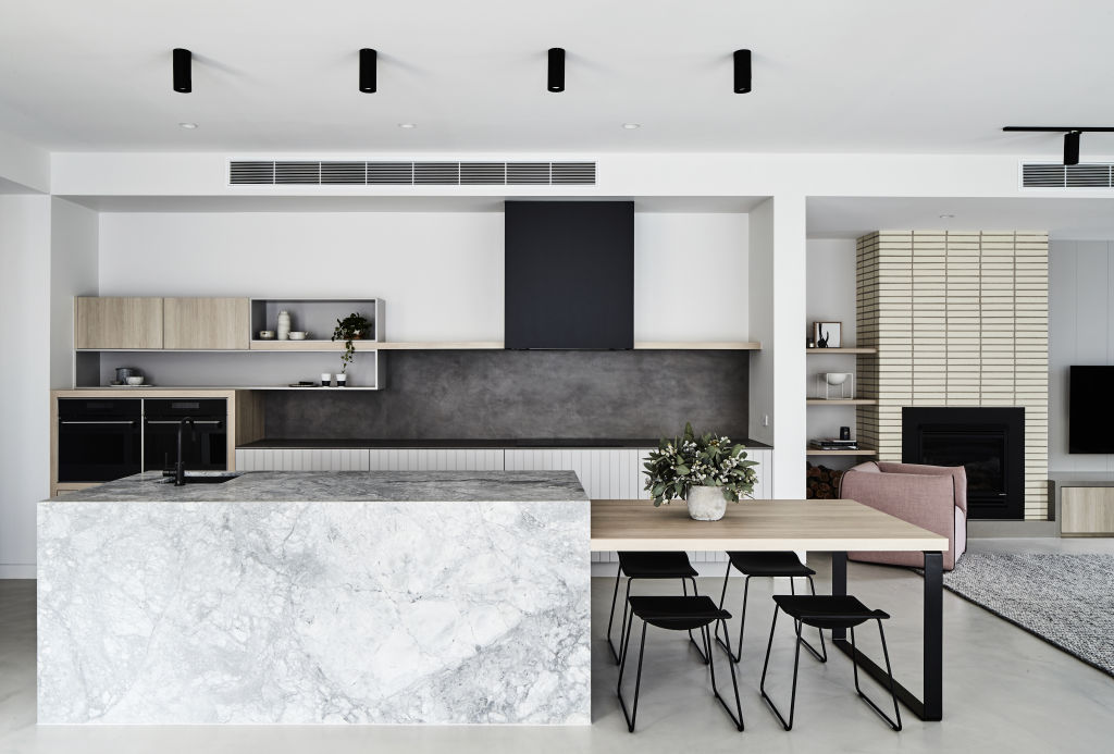 Kitchen_-_Island_bench_with_table_attached_-_Thomas_Archer_Homes_-_Photographed_by_James_Geer_ybjmes