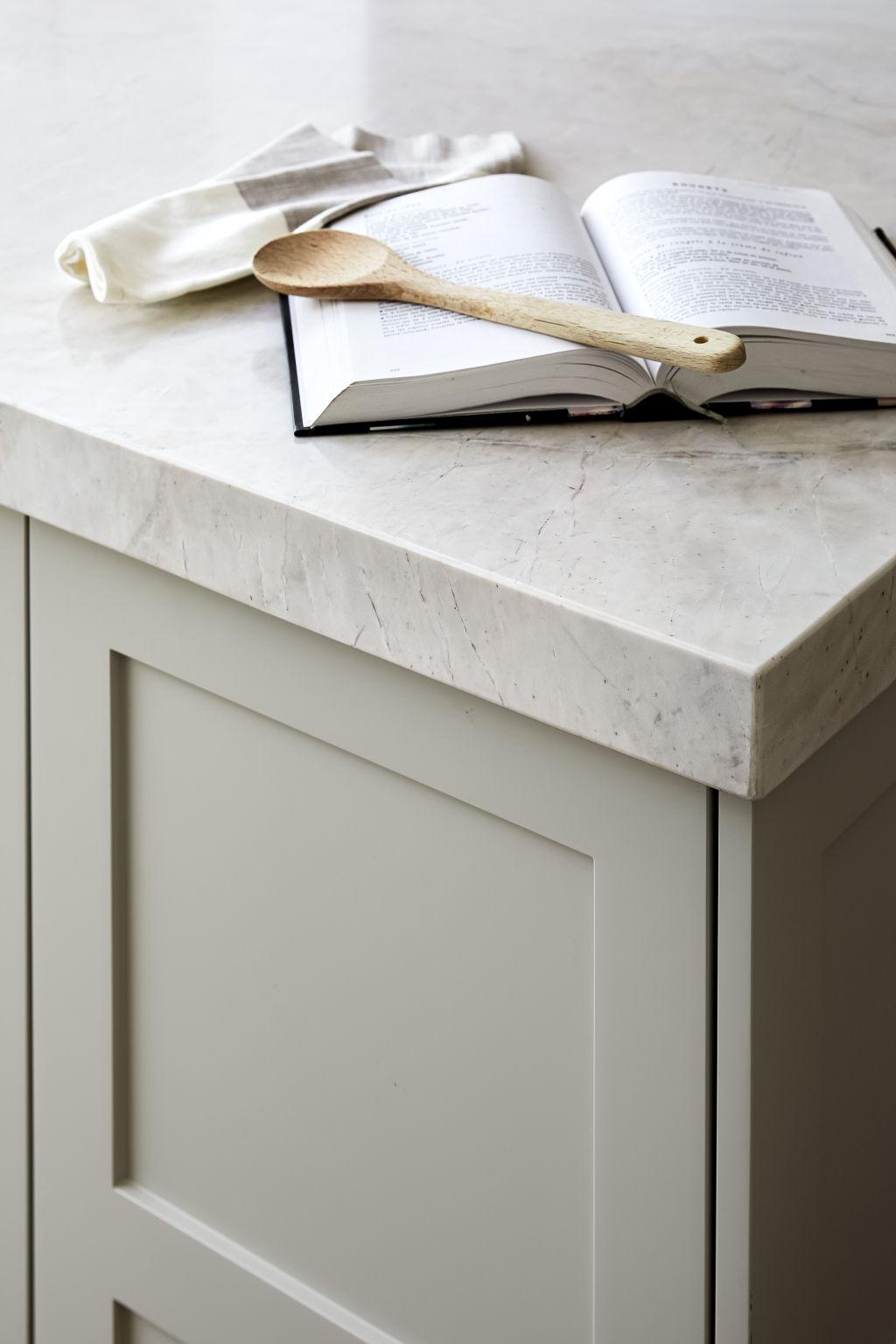 Kitchen_-_Stone_benchtop_-_Harper_Lane_Design_-_Photographed_by_Ryan_Linnegar_uzntx1