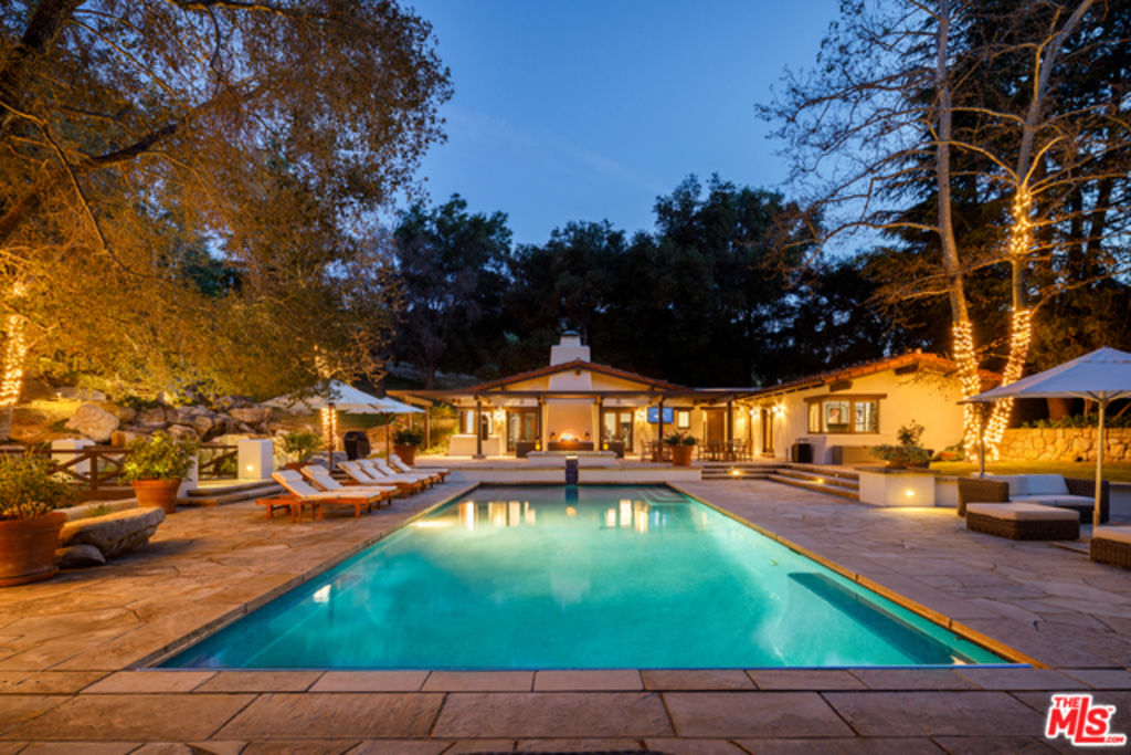 One Direction's Liam Payne sold his house in Monte Nido, California.