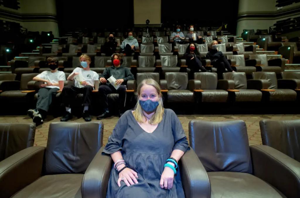 cinema-social-distancing