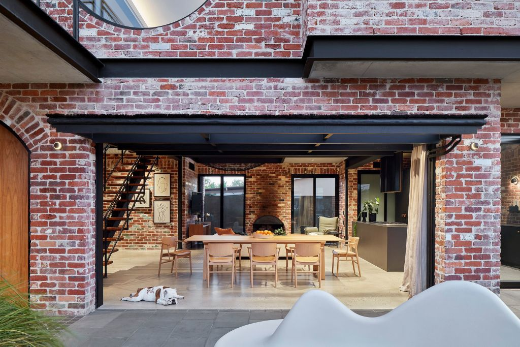A_new_Perth_house_is_made_deliberately_obtuse_in_the_character_it_projects._Photo_Jack_Lovel_wkxzp4