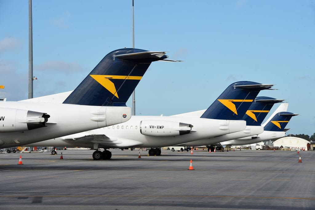 Alliance_Airlines_tails_of_aircraft_fxgk09