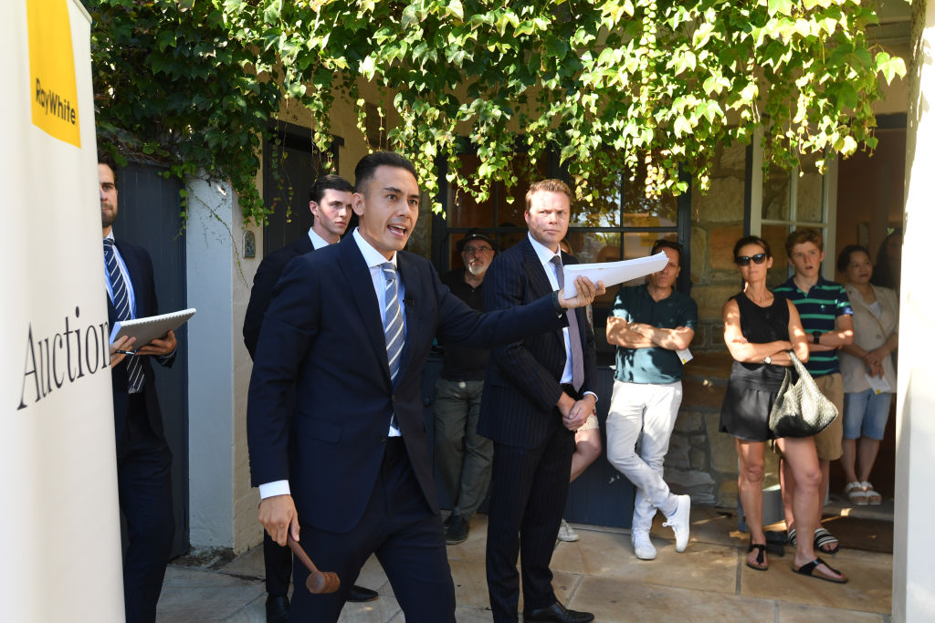 The auction of 209 Edgecliff Road Woollahra