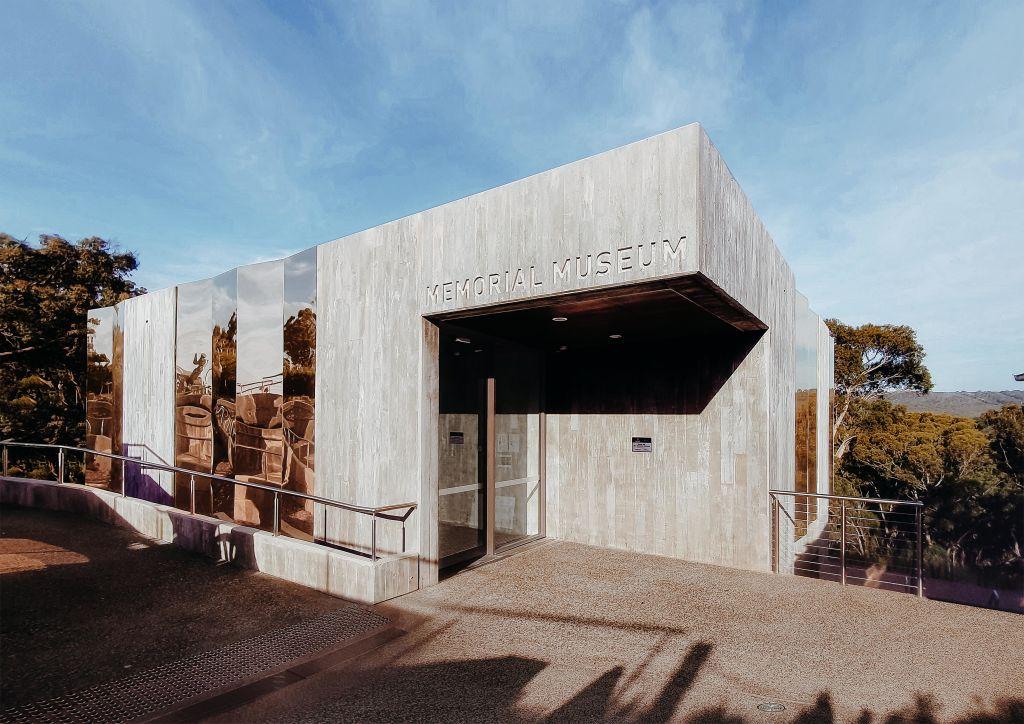 A_modern_interpretation_of_the_traditional_war_memorial_language_is_the_new_Rocky_Hill_Memorial_Museum_annexe._Photo_Sally_Hsu_yaangq
