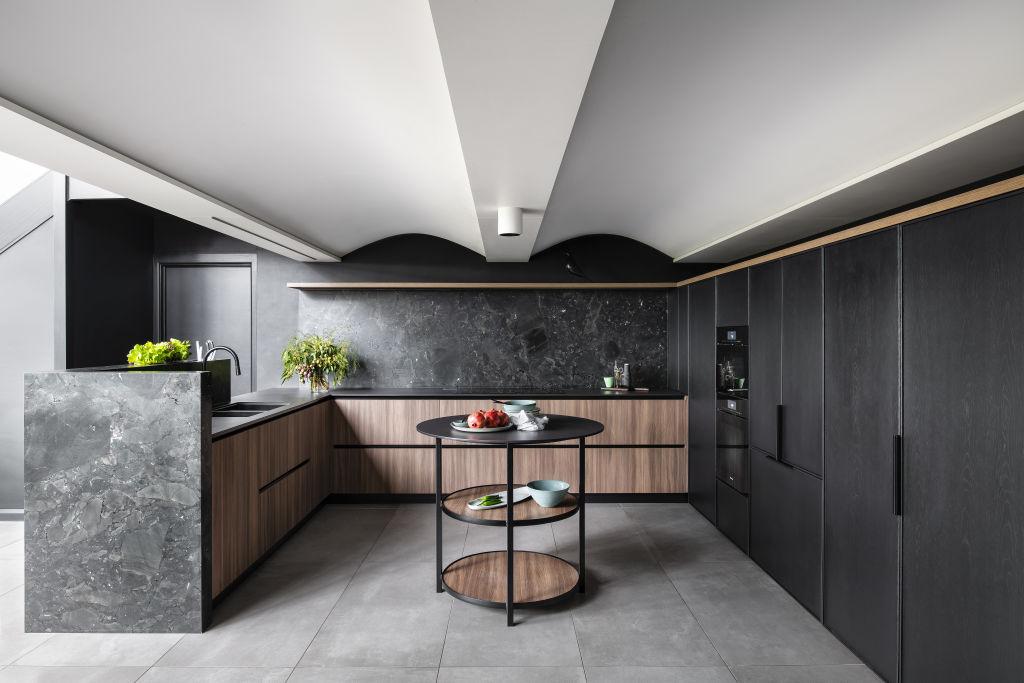 Simona_Castagna_of_Minosa_-_Lugarno_kitchen_iyihjo
