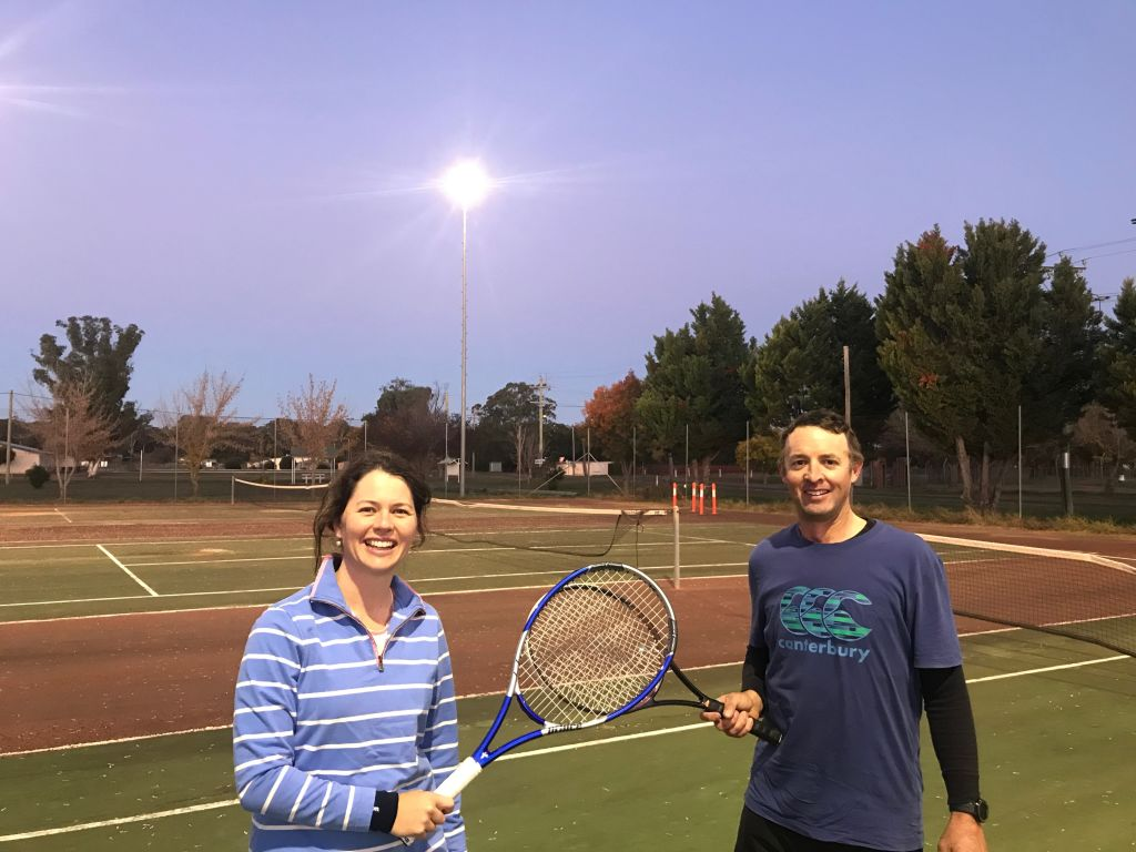 Jane Phillips and Jim Larkin ready for a game of tennis. Escape to Binnaway.