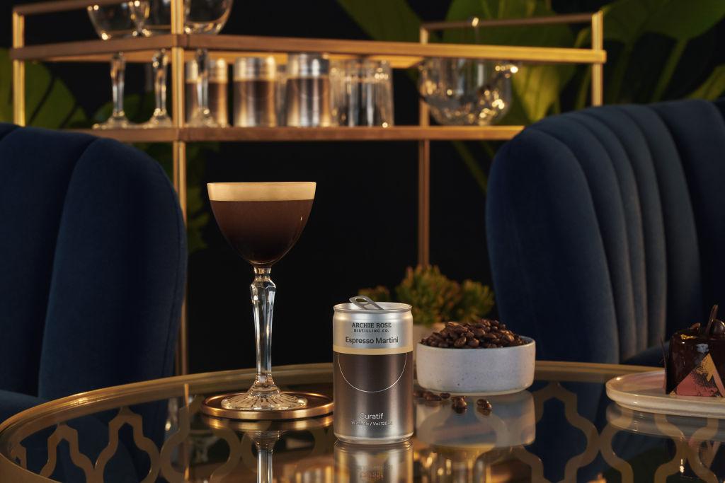Espresso_Martini_Lifestyle_iy7y0i