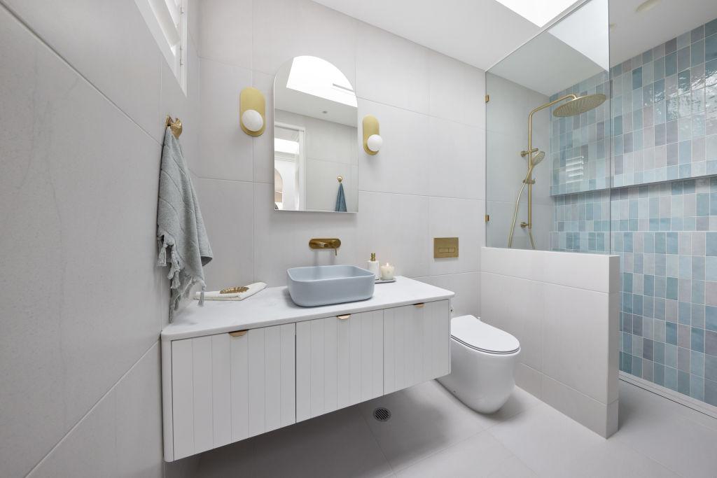 RM2_Bathroom_Kirsty___Jesse-010_my0aht