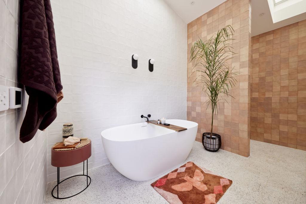 RM2_Bathroom_Tanya___Vito-016_qnryu4