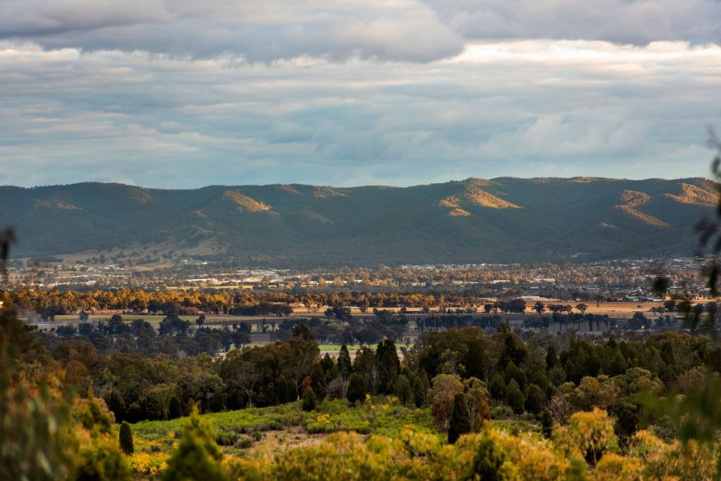 Anything_but_suburban_is_the_13_ha_property_outside_Mudgee._Photo_supplied_s4kz4o