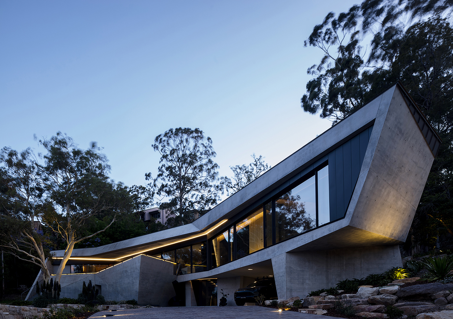 Resi_Houses_joint_3rd_place_Commendation_-_Castle_Cove_House_pic_by_Brett_Boardman_supplied_by_AIA_NSW_ef31iw